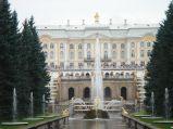 Wielka Kaskada przed Wielkim Pałacem, kanła prowadzi do Zatoki Fińskiej