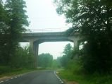 Most kolejowy nad rzeką Świder oraz drogą do Woli Kisielskiej