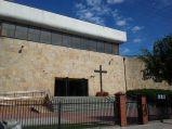 Brama wjazadowa na teren kościoła w Łochowie
