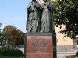 Pomnik Jana Pawła II i Kardynała Wyszyńskiego