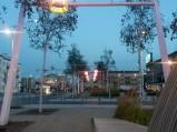 Plac Szembeka, wieczorem