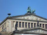Posągi na Sali Koncertowa Konzerthaus w Berlinie