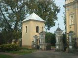 Brama do kościoła Wniebowzięcia NMP w Puchaczowie