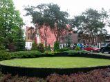 Trawnik przed kościół Krwi Chrystusa w Legionowie