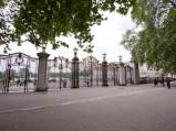 Pałac Buckingham, ogrodzenie