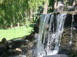Wodospad w Parku Skaryszewskim w Warszawie