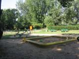 Piaskownica na placu zabaw w parku Szypowskiego