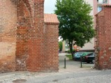 Fragment murów obronnych, brama