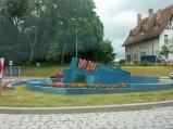 Rzeźba na rondzie w Kartuzach