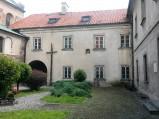 Dziedziniec klasztoru w Czerwińsku nad Wisłą