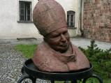 Popiersie papieża Jana Pawła II