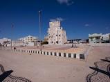 Boisko w Hurghadzie, w sąsiedztwie meczetu
