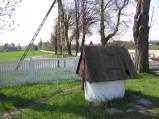 Studnia na cmentarzu w Kumowie Plebańskim