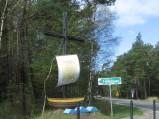 Krzyż na skrzyżowaniu w Ostrowie