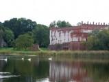 Zamek w Krupe, widok od strony jeziora