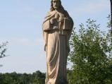 Figura Chrystusa w kamieniołomie w Józefowie