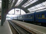 Dworzec, peron i wagony