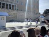 Zmiana warty przed Parlamentem w Atenach