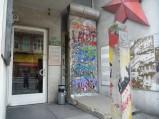 Fragment muru i słup graniczny, Checkpoint Charlie, Berlin