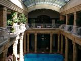 Łaźnie Gellérta, balkony, w Budapeszt