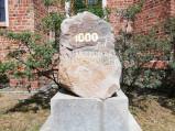 Kamień 1000 lat Metropolii Gnieźnieńskiej przy katedrze w Bydgoszczy