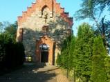 Wejście do kościoła w Dąbrównie