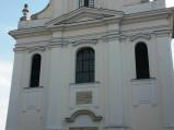 Fasada kościoła Niepokalanego Poczęcia NMP w Górze Kalwarii