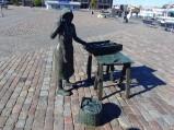 Pomnik sprzedawczyni ryb w Karlskronie