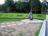Kontrabas, Ogród Muzyczny w Kudowie Zdrój