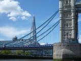 Wieżowiec The Shard widziany z pod Tower Bridge, Londyn