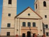 Fasada Kościoła Chrystusa Dobrego Pasterza w Łowiczu