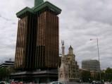 Pomnik Christopher Columbus (Kolumba), w tle Colon Towers, Madryt
