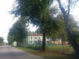 Boisko szkoły podstawowej w Ostrowie