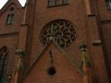 Fasada kościoła w Policznie