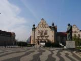 Plac Adama Mickiewicza, Pomnik Adama Mickiewicza w Poznaniu