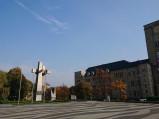Plac Adama Mickiewicza i Pomnik Ofiar w Poznaniu