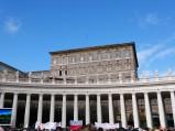 Pałac Apostolski z Oknem Papieskim w Rzymie