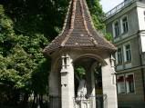 Kapliczka, przy kościele św. Jerzego, Sopot