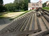 Ławki amfiteatru w Spychowie