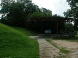 Ścieżka do amfiteatru w Spychowie