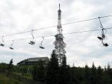 Wieża nadajnikowa i kolejka na Skrzycznem w Szczyrku