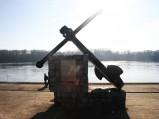 Pomnik Oficerskiej Szkoły Marynarki Wojennej w postaci kotwicy w Toruniu