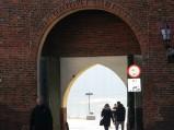 Brama Klasztorna, od strony starego miasta w Toruniu