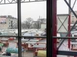 Widok z Centrum Szembeka na targowisko