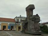 Pomnik na rynku we Włodawie