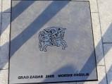 Tablica, początek Organów Morskich w Zadarze